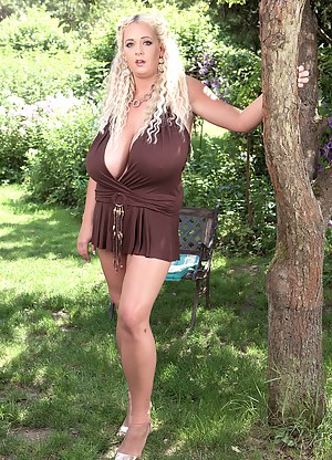 Big Tits Outdoor Porn Pictures